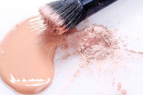 make-up-flecken-entfernen.jpg
