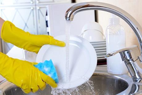 richtig-abwaschen-tipps-zum-abwaschen-ohne-geschirrspueler.jpg