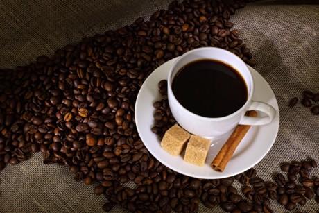 auf-kaffee-und-cola-am-abend-verzichten.jpg