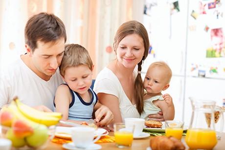familienmahlzeiten-mit-kleinkindern.png