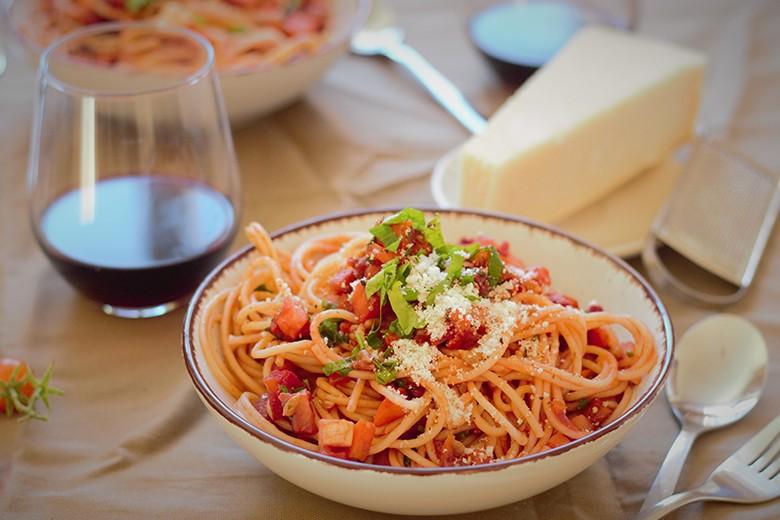 pasta-mit-wurzelgemuese-rotwein-sugo.jpg