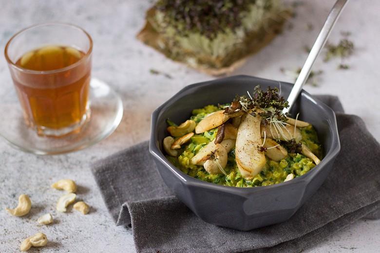 pikantes-porridge-mit-spinat-und-pilzen.jpg