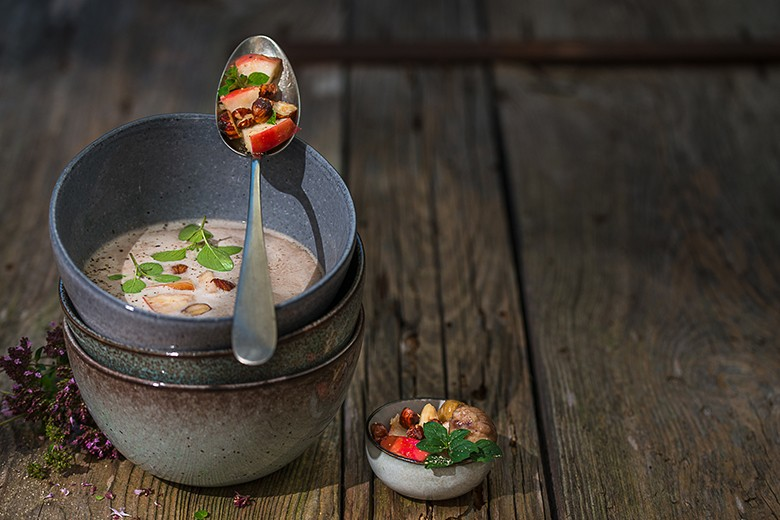 Maronicremesuppe mit Apfel-Nuss-Topping