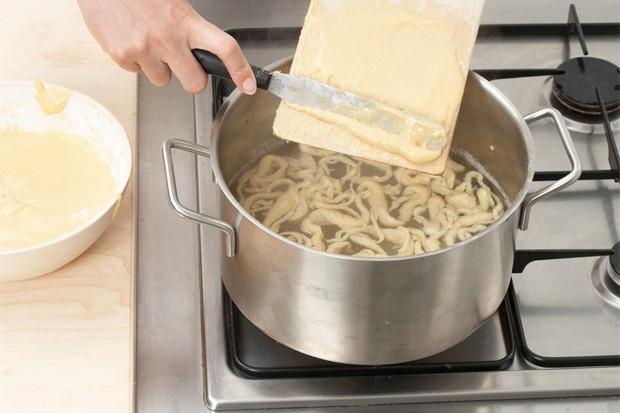 Spätzle kochen