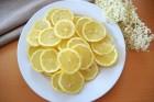 Zitronen vorbereiten