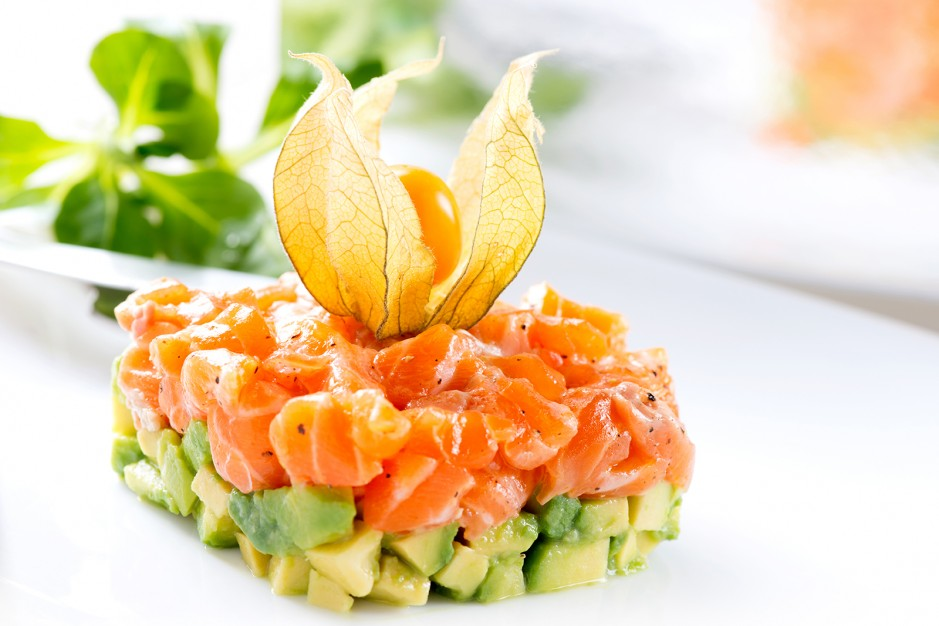 Lachstatar mit Avocado