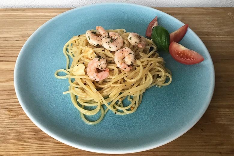 Knoblauchspaghetti mit Kräutergarnelen