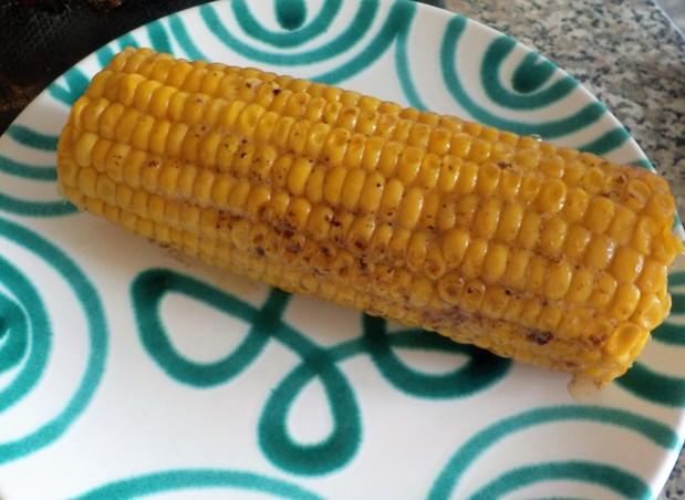 Maiskolben gegrillt