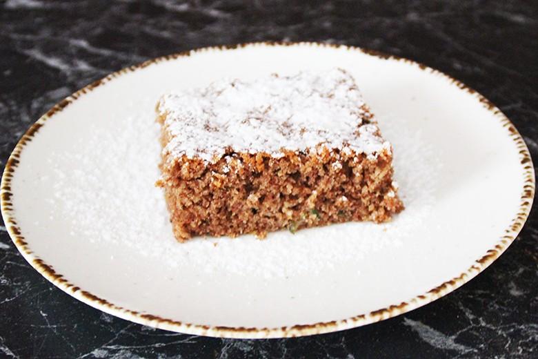 Zucchini-Schoko-Nuss-Kuchen