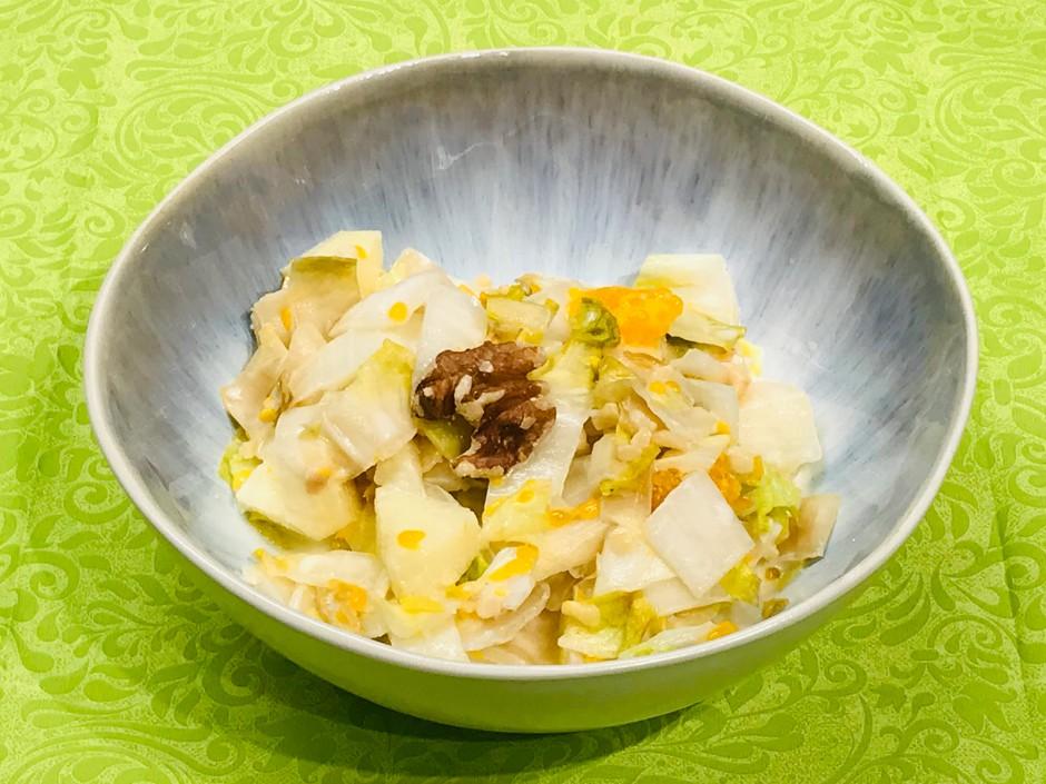 Chicoree-Salat mit Nüssen