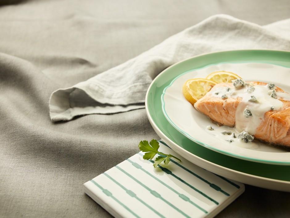 Blanchierter Lachs mit Gorgonzola GU