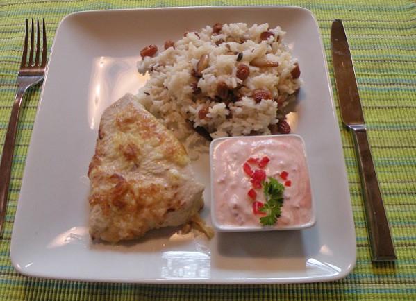 gebratenes-curryhuhn-mit-mandel-rosinenreis.jpg