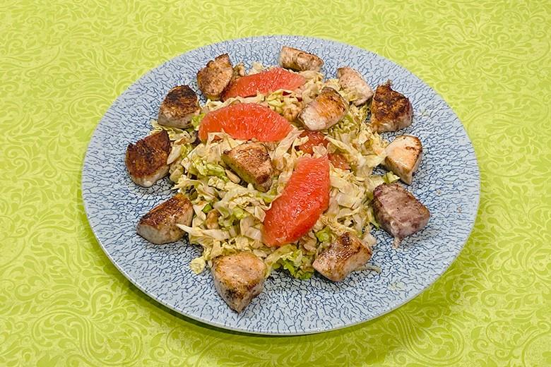 Chinakohl-Grapefruit-Salat mit Hühnchen