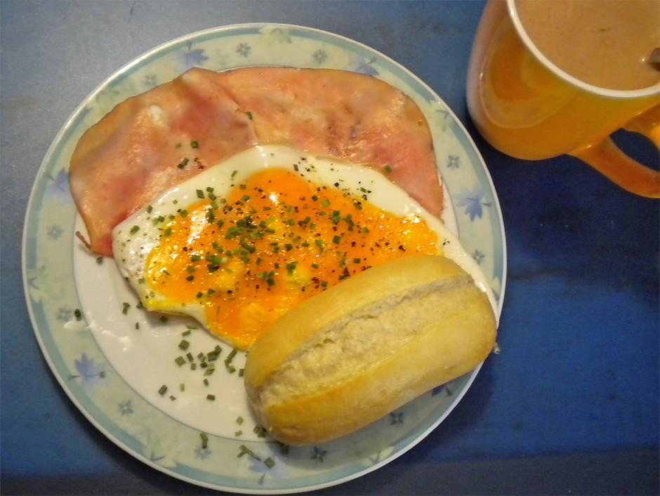 schinken-mit-eiern.jpg
