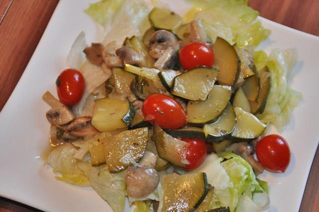 schwammerl-zucchini-salat.jpg