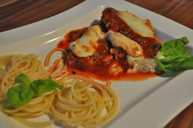 putenschnitzel-mit-tomaten-und-mozarella.jpg