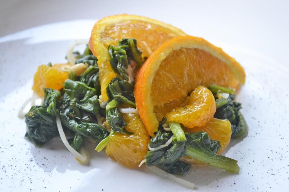 mandarinen-mit-gebratenem-spinat.jpg