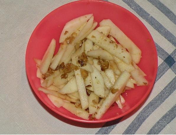 apfel-walnuss-salat.jpg