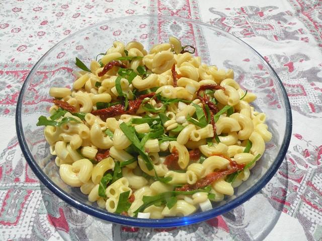 nudelsalat-mit-getrockneten-tomaten.jpg