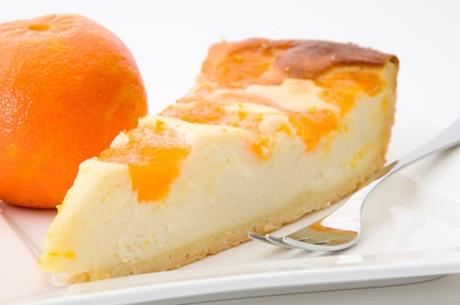 kaesekuchen-mit-orange.jpg