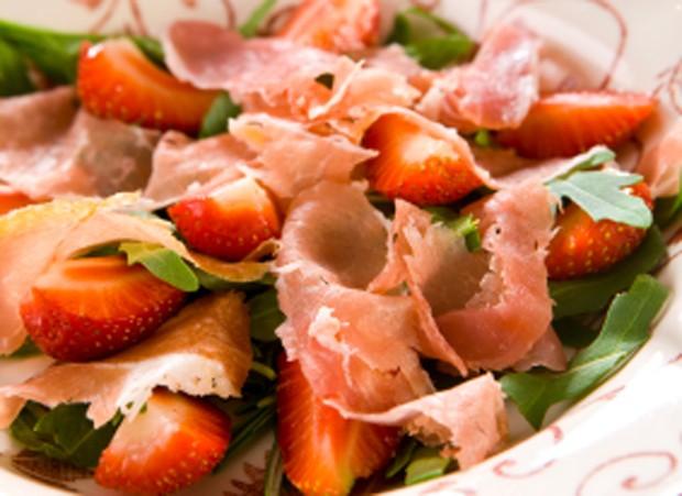 schinken-erdbeer-salat.jpg