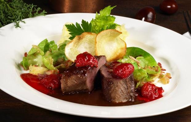 Rehrücken in Rotweinsauce