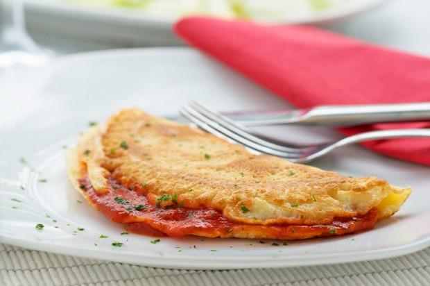 Omelette mit Tomatensugo