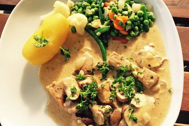 Hühner-Geschnetzeltes mit Champignons