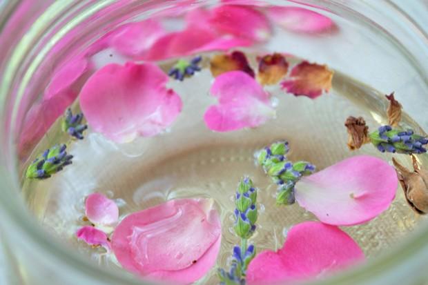 Rosen-Lavendelessig
