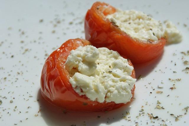 tomaten-mit-schafkaesefuellung.jpg