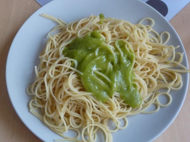 spaghetti-pesto.jpg