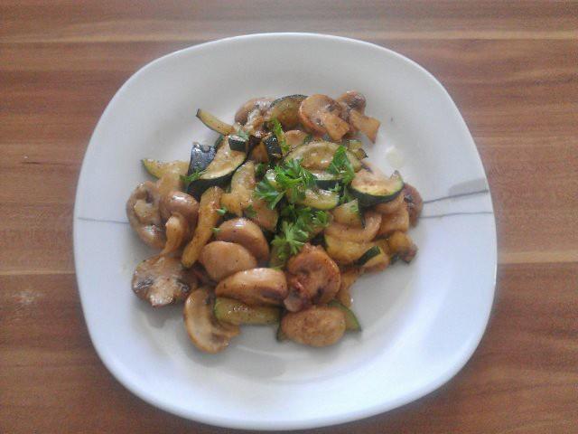 zucchini-mit-champignons.jpg