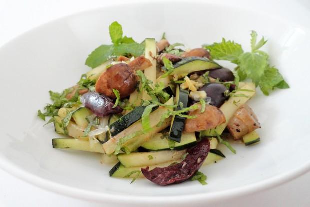 Zucchini mit Champignons