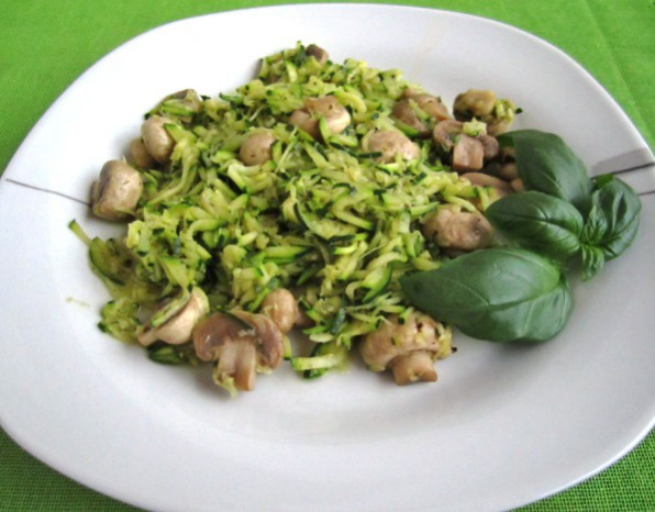 zucchini-mit-marinierten-champignons.jpg