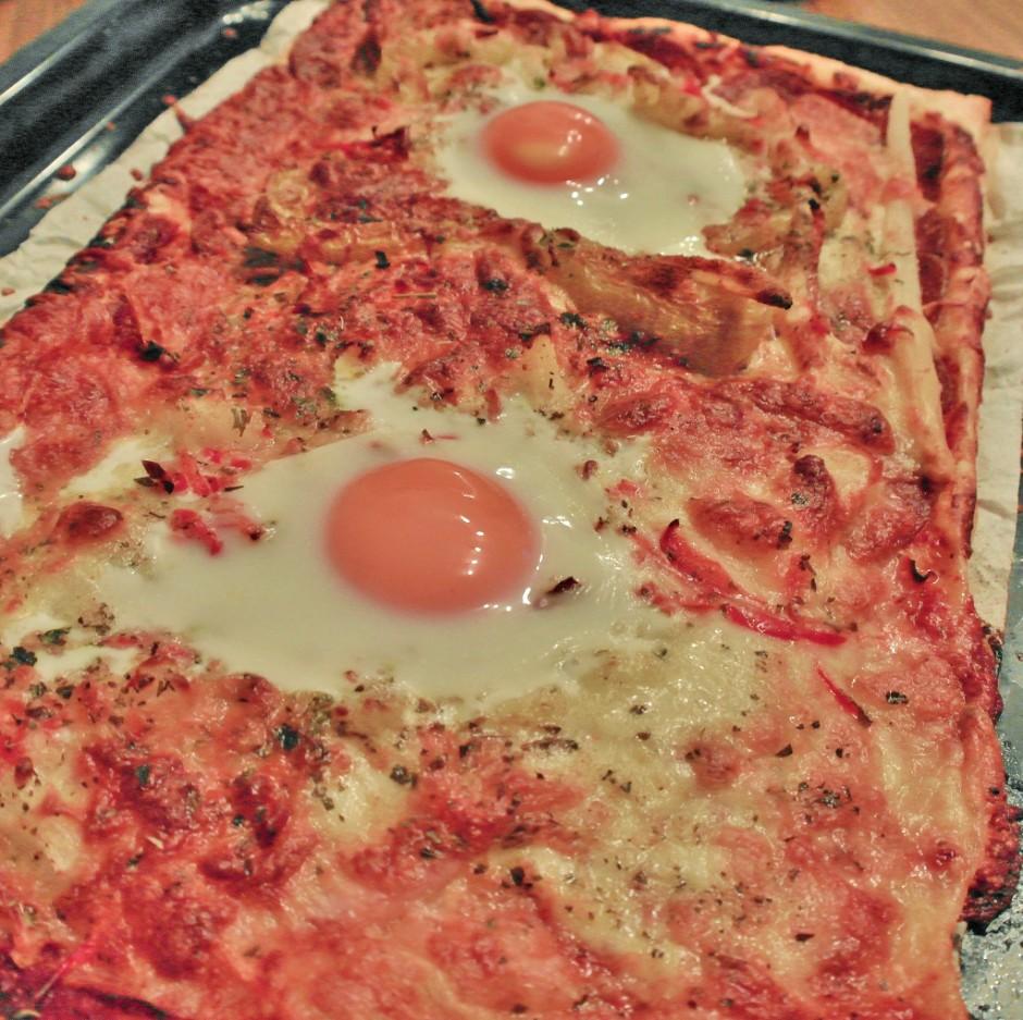 pizza-mit-blaetterteig.jpg