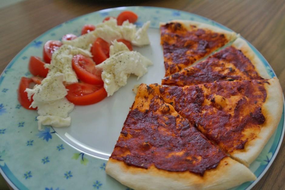 pizzabrot-mit-tomaten-und-mozarella.jpg