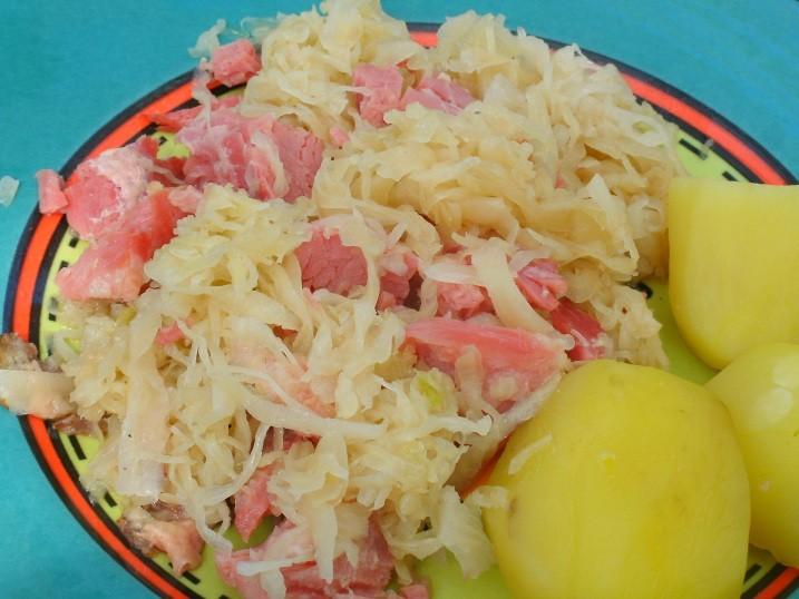 apfel-sauerkraut-mit-schinkenwuerfel.jpg