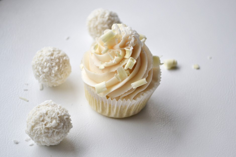 raffaello-buttercreme-cupcakes.jpg