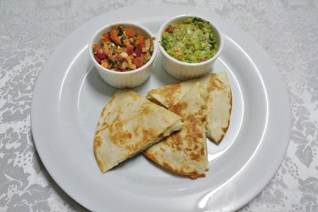 Huhn-Avocado-Quesadilla