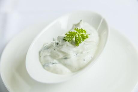 kraeuter-jogurt-dip.jpg