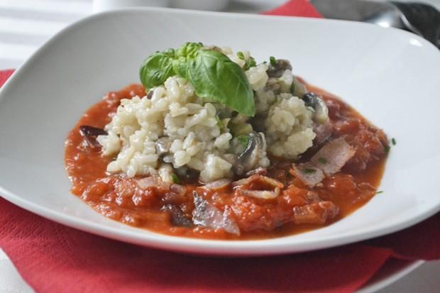 risotto-mit-pilzen-und-tomatensauce.jpg