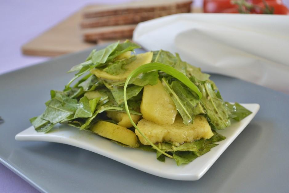 loewenzahnsalat-mit-warmen-kartoffeln.jpg