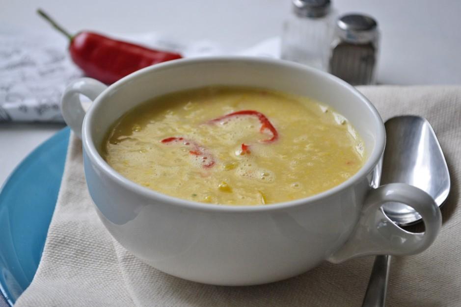 kraeftige-maissuppe-mit-paprika.jpg