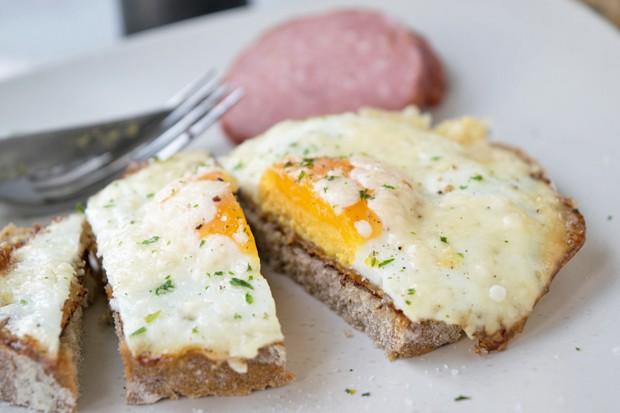 Käse-Spiegeleier
