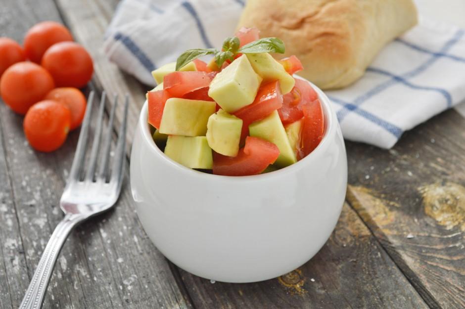 tomaten-avocadosalat.jpg