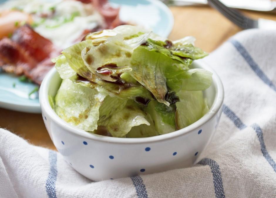 gruener-salat-mit-kernoeldressing.jpg