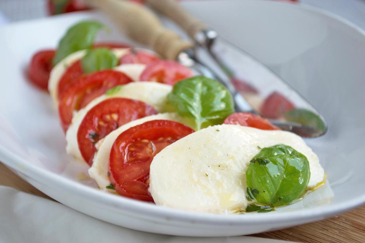 tomaten-mit-bueffel-mozzarella.jpg