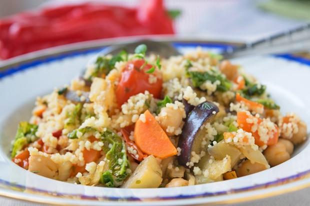 Orientalische Couscouspfanne mit Gemüse