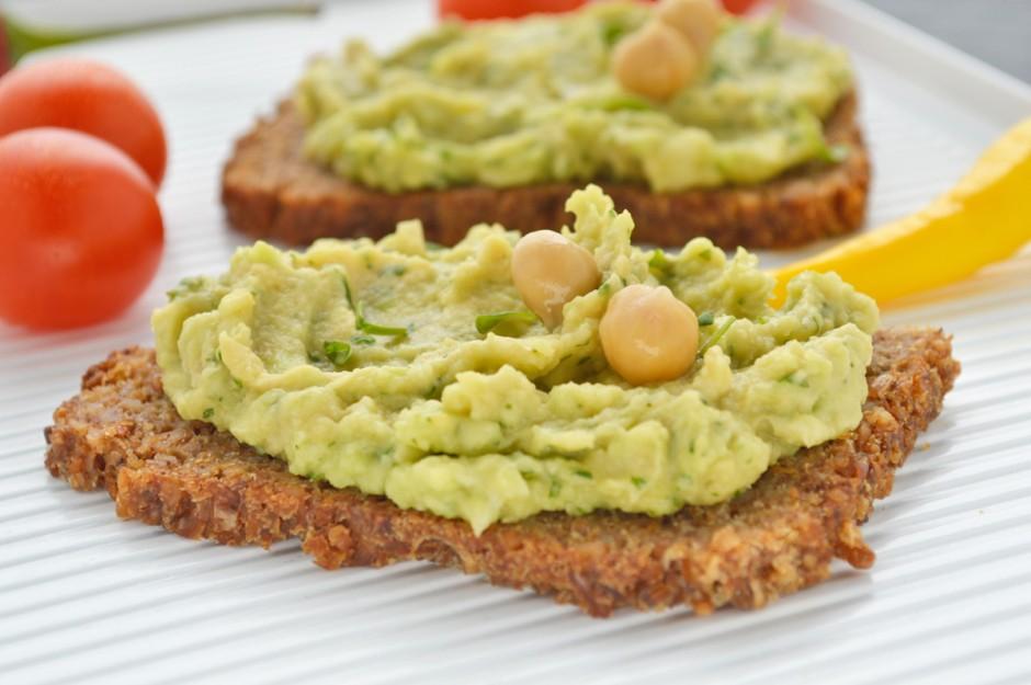 avocado-kichererbsen-aufstrich.jpg