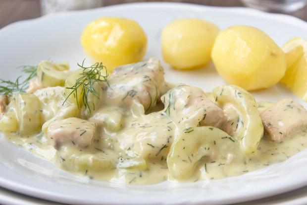 Schnelles Lachsragout mit Zitronenkartoffeln